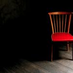 Zet een stoel bij